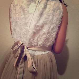 A gold and white rose dress lace